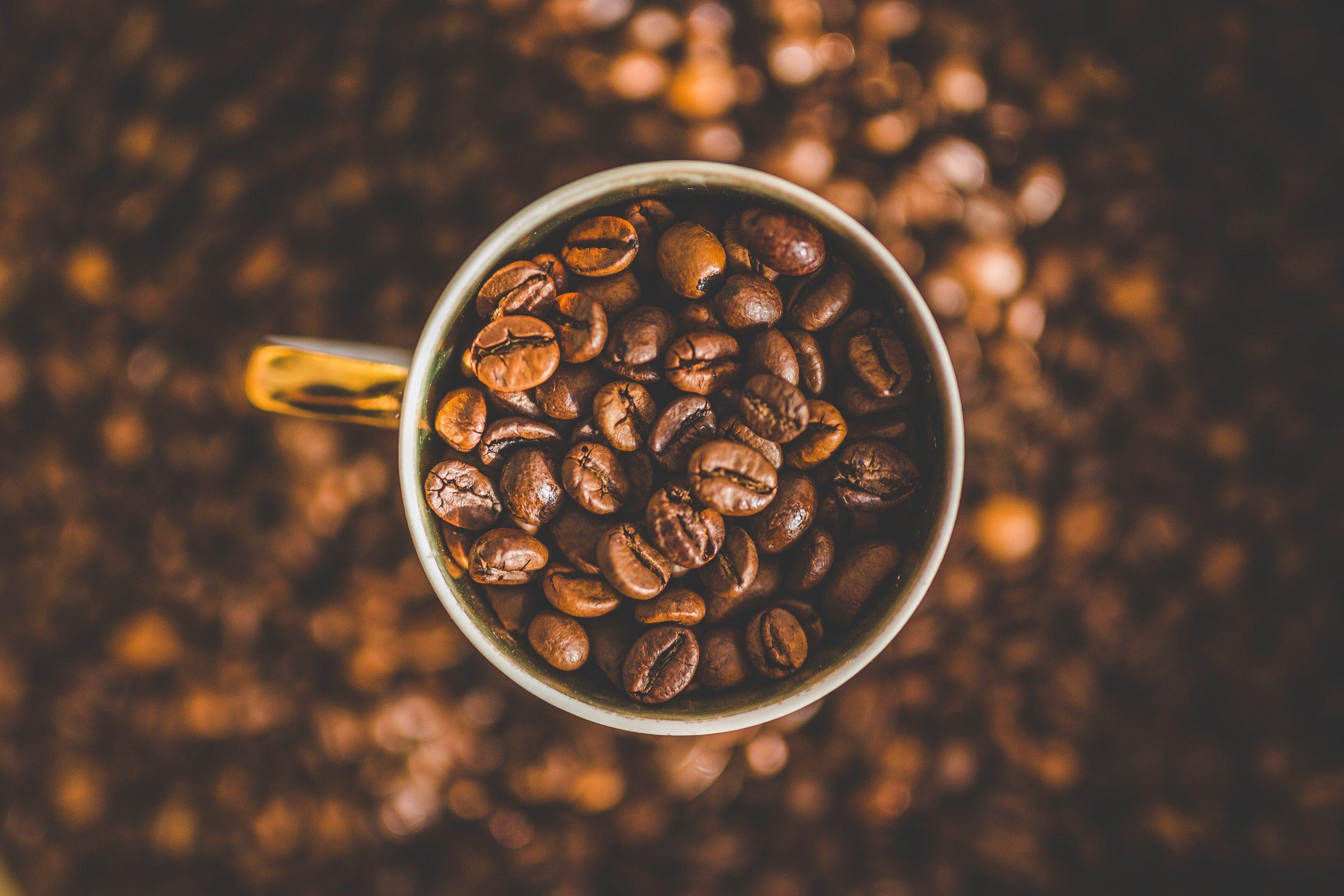 De voordelen van koffie maken met verse koffiebonen